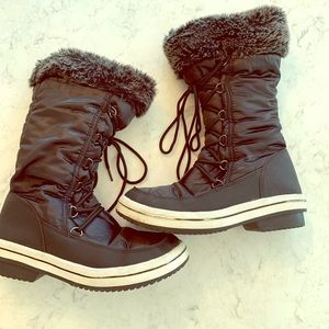 Shoes - Winter black boots size 8